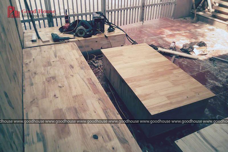 đóng bàn bằng gỗ ghép thanh